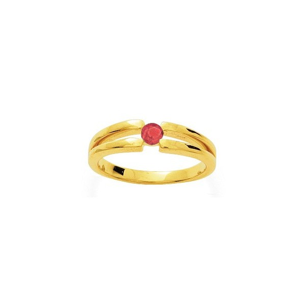 bague en or avec rubis